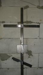 крест на кладбище